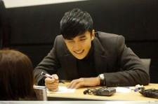 Park Jung Min Holds 'Beautiful' Fan Sign Meeting in Korea
