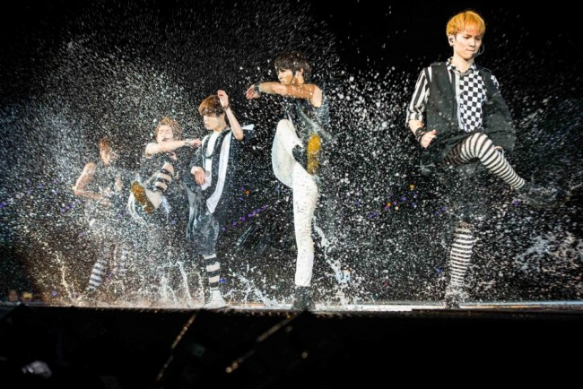 SM Artists Make A Splash In SMTown Live World Tour III in Singapore [PHOTOS]key=>18 count34