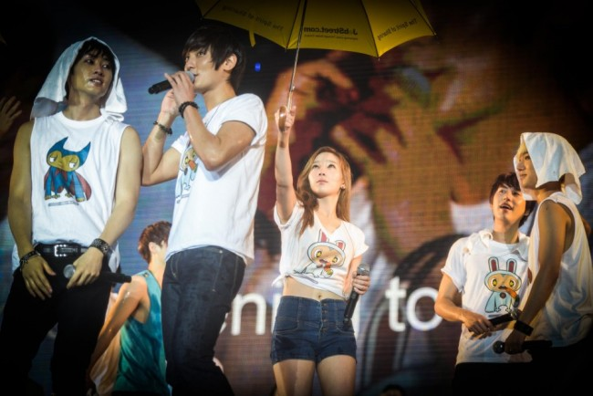 SM Artists Make A Splash In SMTown Live World Tour III in Singapore [PHOTOS]key=>31 count34