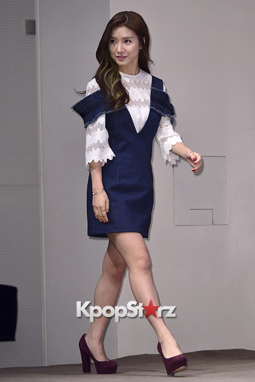 Kim So Eun Attends a Press Conference of Samsung Web Drama 'Fall in Challenge' - Oct 26, 2015key=>1 count49