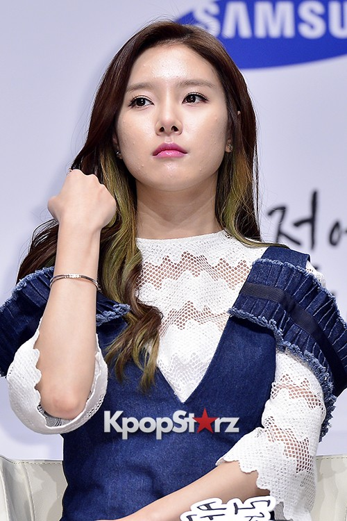 Kim So Eun Attends a Press Conference of Samsung Web Drama 'Fall in Challenge' - Oct 26, 2015key=>39 count49