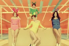 Brown Eyed Girls release back-to-back futuristic and sexy Music Videos for 'Brave New World' and 'Warm Hole'!