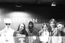 Girls' Generation's Tiffany Shares Picture With SISTAR and Big Bang Members