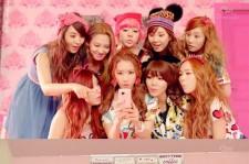 Girls' Generation Releases 'Dancing Queen' MV, 'Cute Cat Dance'