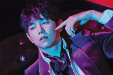 korean actor Yoon Kyun Sang singles magazine november 2015 photos