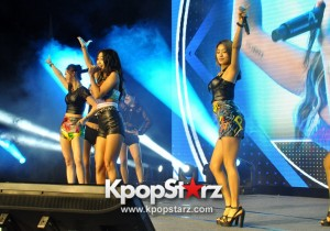 SISTAR Shows Off Powerful Vocals At MONSTA X & SISTAR Fan Meeting In Singapore 2015 [PHOTOS]