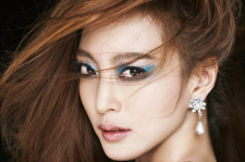 Korean actress han ye seul allure magazine january 2016 photos chanel makeup