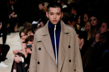 Kris Wu Burberry's Fall 2016 menswear collection
