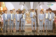 EXO wins at the Golden Disk Awards