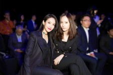 Victoria & Krystal at the Jumei Awards