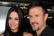 ctors Courteney Cox (L) and David Arquette arrive at the premiere of The Weinstein Company's 'Scream 4' Presented by AXE Shower held at Grauman's Chinese Theatre on April 11, 2011 in Hollywood, California.