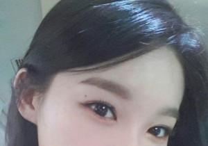 kang min kyung close-up self-camera