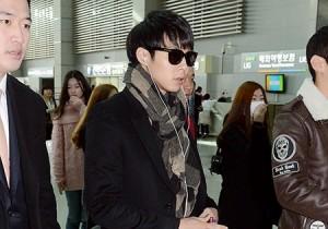 Airport Fashion: JYJ Park Yoo Chun Leaving to Beijing