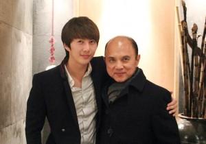 Kim Hyung Jun Reunites with Fashion Designer Jimmy Choo in Korea