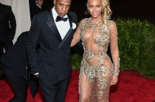 Jay Z and Beyonce attend the 'China: Through The Looking Glass' Costume Institute Benefit Gala at the Metropolitan Museum of Art on May 4, 2015 in New York City.
