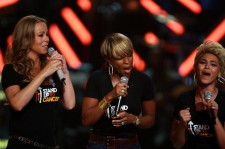 Singers Mariah Carey, Mary J. Blige, and Beyonce perform on stage during the Conde Nast Media Group's Fifth Annual Fashion Rocks at Radio City Music Hall on September 5, 2008 in New York City.