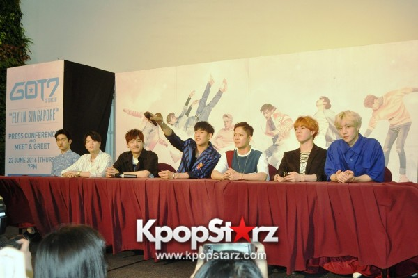 GOT7 Meets The Press And Fans in Singapore [PHOTOS]key=>3 count31