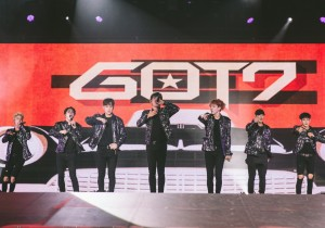 GOT7 Successfully Holds Their First Concert In Singapore [PHOTOS]