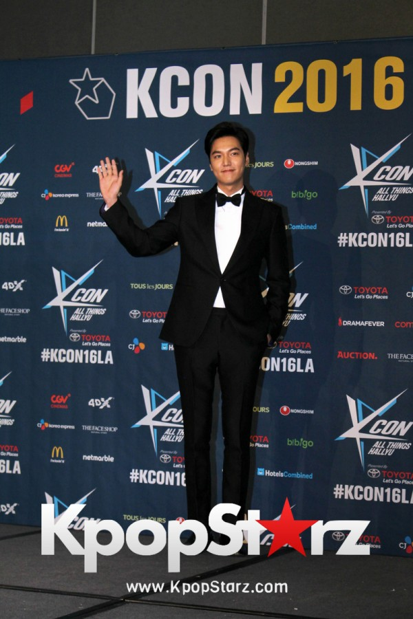 Lee Min Ho On Kcon LA Red Carpet - July, 30th 2016 [PHOTOS]key=>7 count15