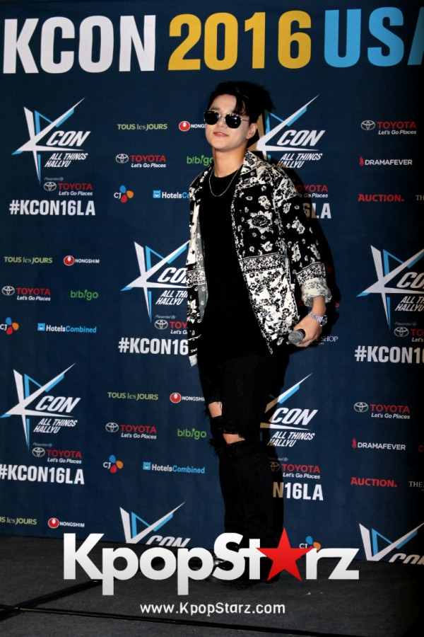 Dean On Kcon LA Red Carpet - July, 30th 2016 [PHOTOS] key=>5 count19
