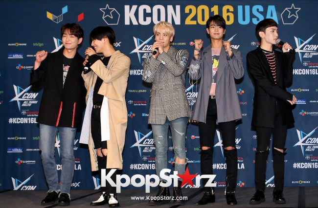SHINee On Kcon LA Red Carpet - July, 30th 2016 [PHOTOS] key=>11 count55