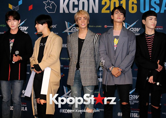 SHINee On Kcon LA Red Carpet - July, 30th 2016 [PHOTOS] key=>26 count55