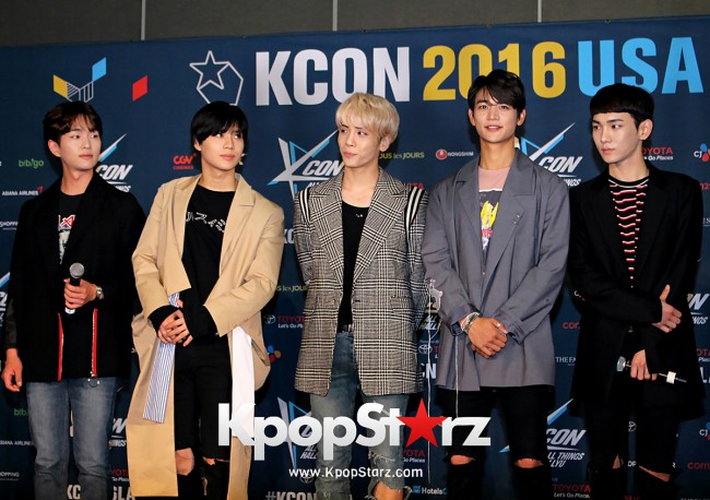 SHINee On Kcon LA Red Carpet - July, 30th 2016 [PHOTOS] key=>27 count55