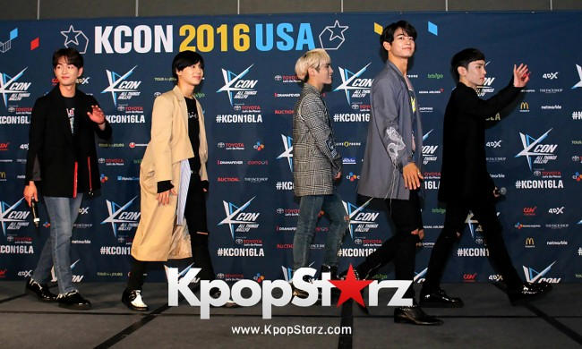 SHINee On Kcon LA Red Carpet - July, 30th 2016 [PHOTOS] key=>29 count55