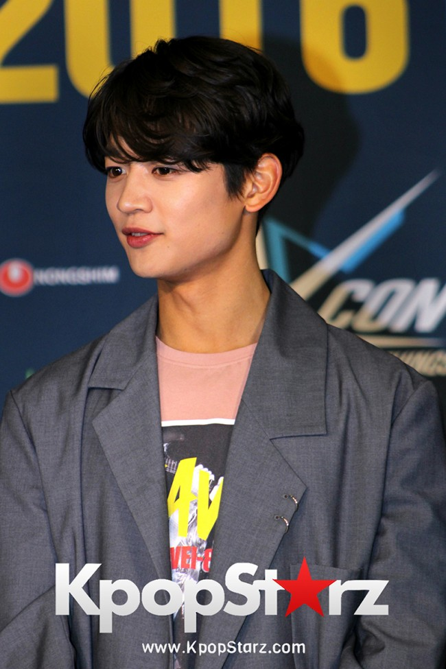 SHINee On Kcon LA Red Carpet - July, 30th 2016 [PHOTOS] key=>34 count55
