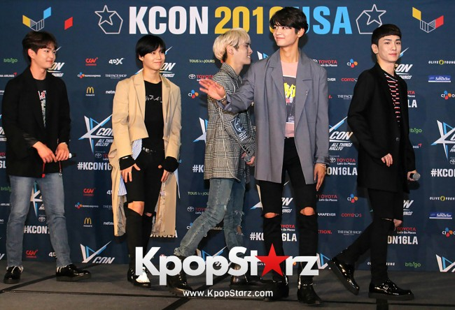 SHINee On Kcon LA Red Carpet - July, 30th 2016 [PHOTOS] key=>38 count55