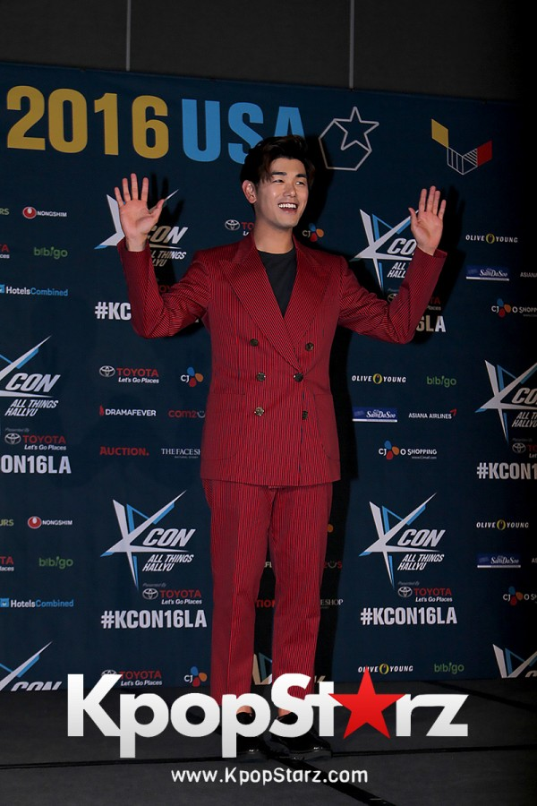 Eric Nam On Kcon LA Red Carpet - July, 31st 2016 [PHOTOS] key=>2 count14
