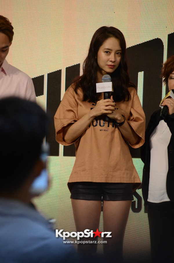 Song Ji Hyo at SHOOPEN grand opening in Malaysiakey=>12 count33