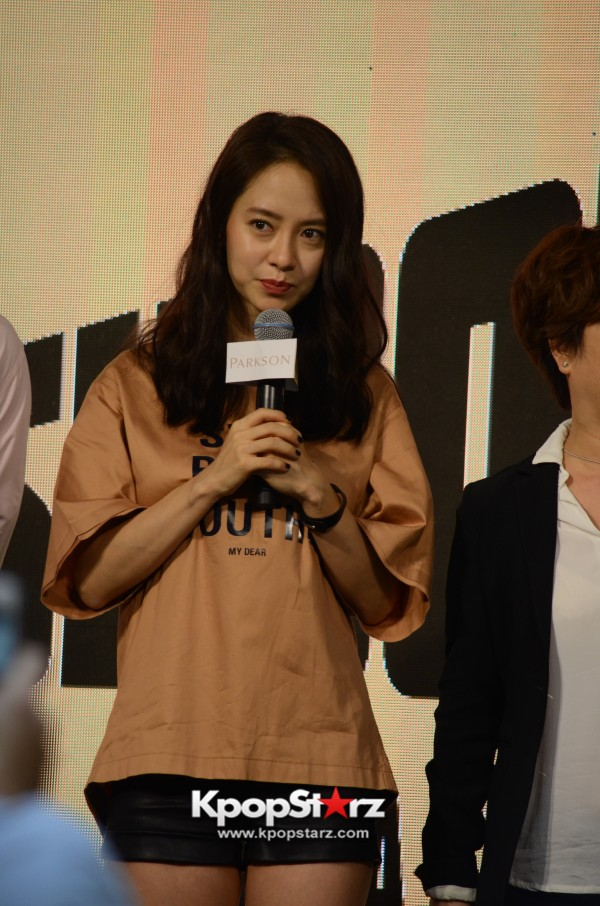 Song Ji Hyo at SHOOPEN grand opening in Malaysiakey=>17 count33