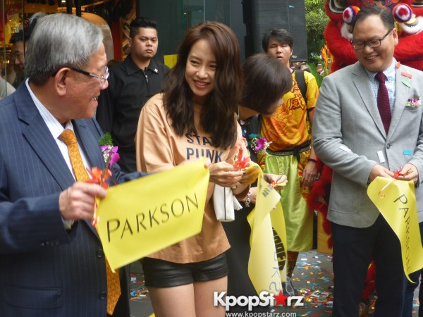 Song Ji Hyo at SHOOPEN grand opening in Malaysiakey=>24 count33