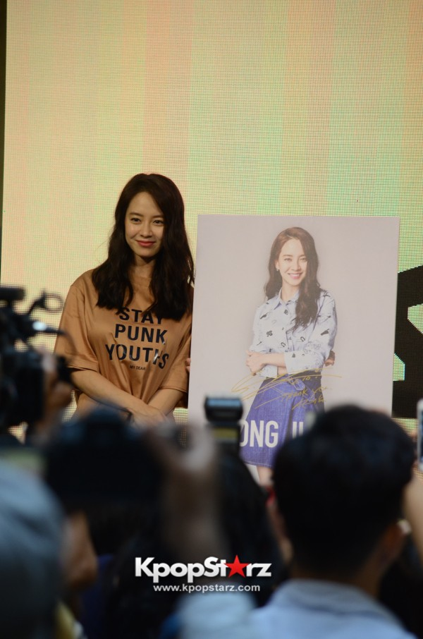 Song Ji Hyo at SHOOPEN grand opening in Malaysiakey=>27 count33