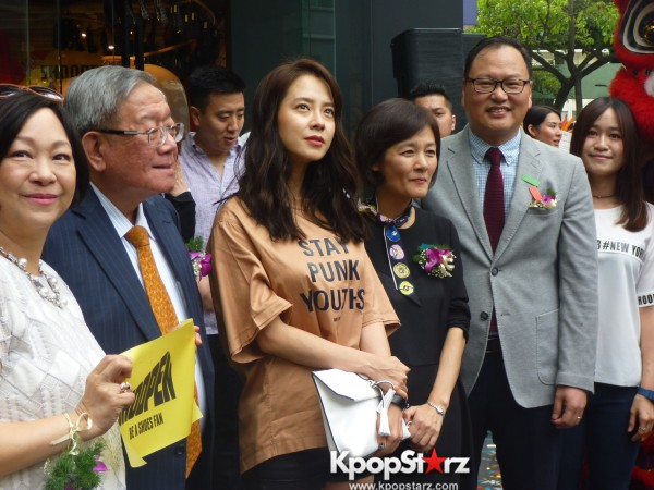 Song Ji Hyo at SHOOPEN grand opening in Malaysiakey=>28 count33