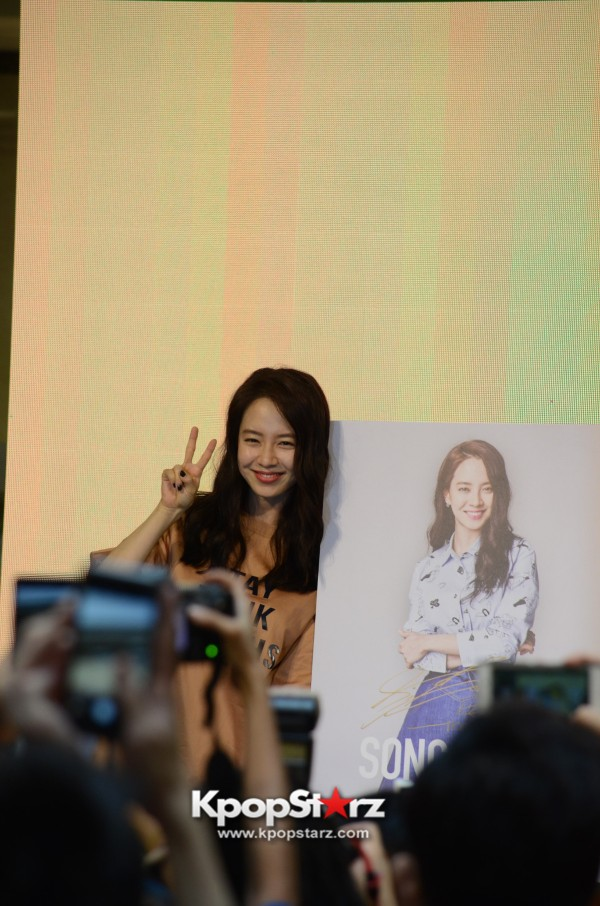 Song Ji Hyo at SHOOPEN grand opening in Malaysiakey=>31 count33