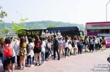 EXO fans line up for concert