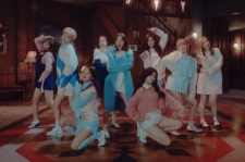 Twice MV Teaser For 'TT'