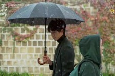 The first encounter between Goblin (Gong-Yoo) and Eun-Tak (Kim Go-Eun) from the