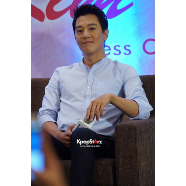 Kim Rae Won meets fans in Malaysiakey=>12 count28