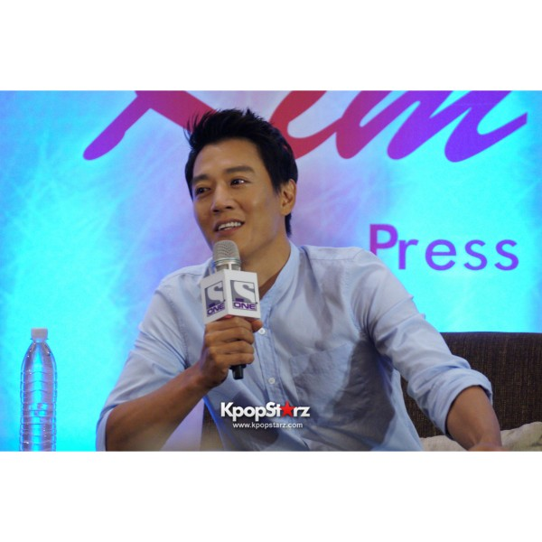Kim Rae Won meets fans in Malaysiakey=>13 count28