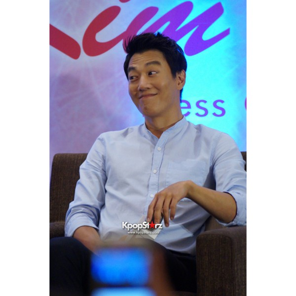 Kim Rae Won meets fans in Malaysiakey=>17 count28