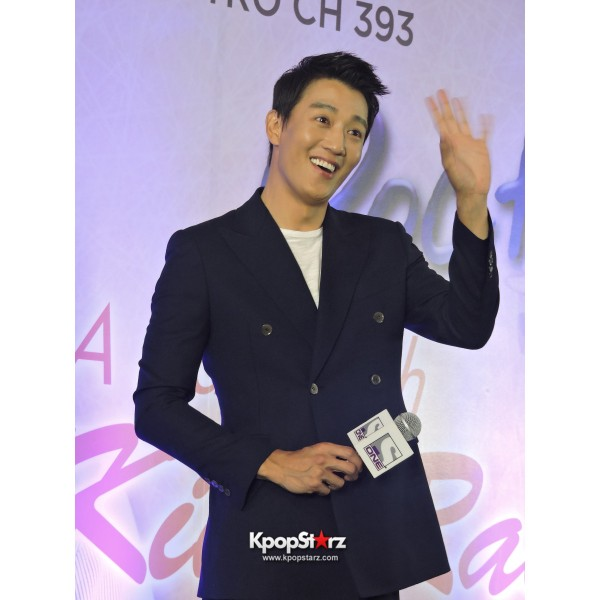 Kim Rae Won meets fans in Malaysiakey=>22 count28