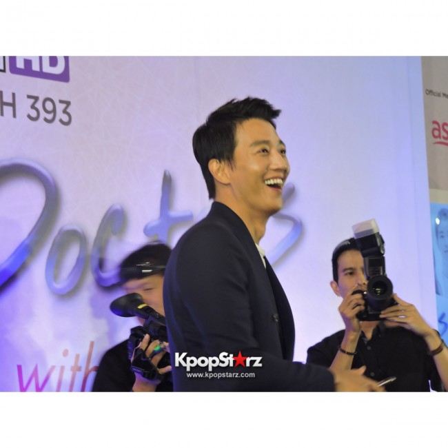 Kim Rae Won meets fans in Malaysiakey=>25 count28