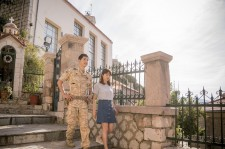 """Descendants Of The Sun Wins """"Best Drama Series"""" At 21st Asian Television Awards"""
