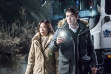 "Yoo Yeon-Seok and Seo Hyun-Jin in the ""Romantic Doctor, Teacher Kim"" drama Episode 9."