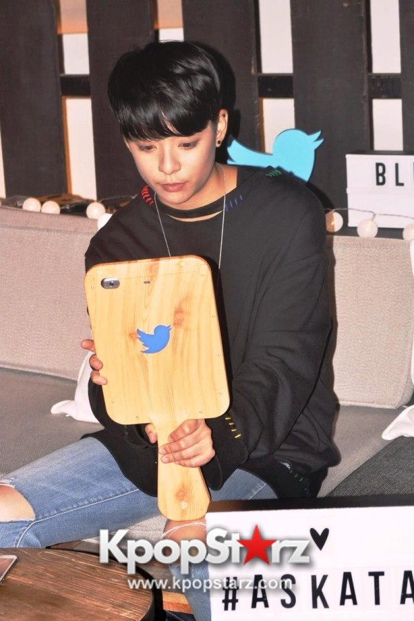 f(x) Amber Liu Took Questions From Fans And Answered During Twitter BlueRoom Session [PHOTOS]key=>1 count4