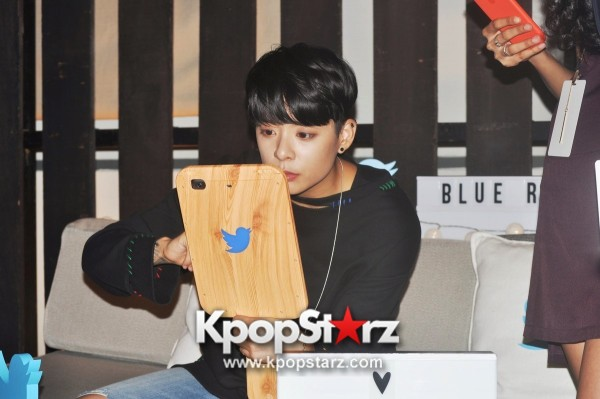 f(x) Amber Liu Took Questions From Fans And Answered During Twitter BlueRoom Session [PHOTOS]key=>2 count4