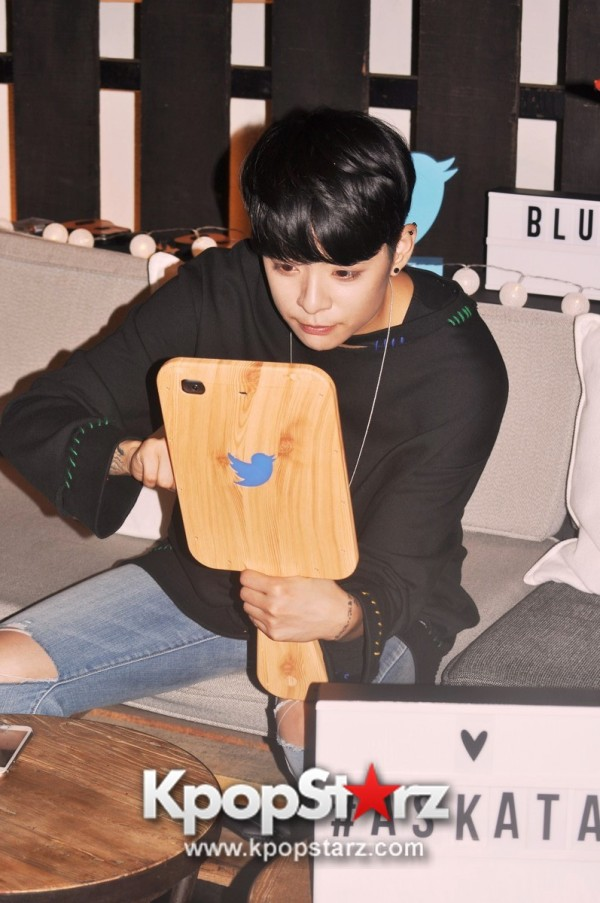 f(x) Amber Liu Took Questions From Fans And Answered During Twitter BlueRoom Session [PHOTOS]key=>3 count4